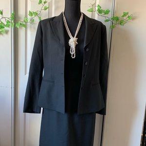 Kasper company Woman suit set